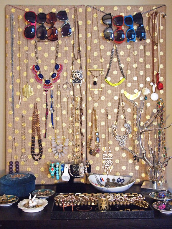 DIY Jewelry Display | StyleAlter.com